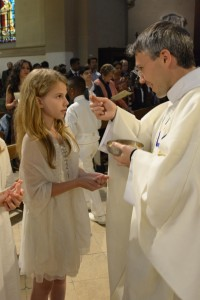8 Communions Ana